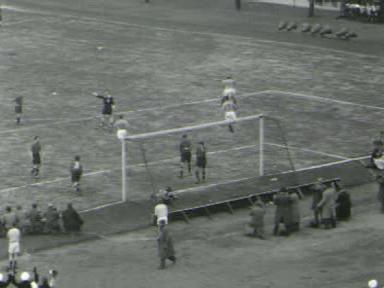 Voetbalwedstrijd Nederland - België (1-0).ogv