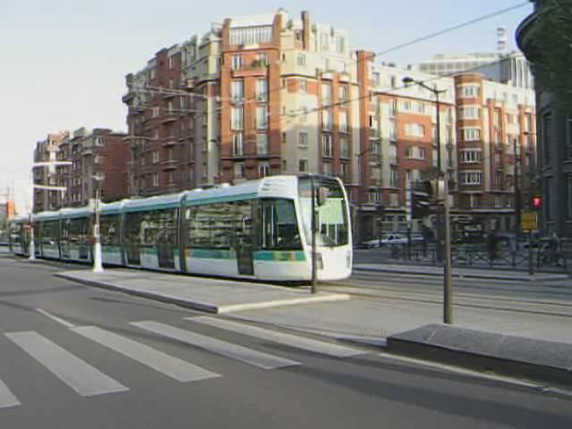 Paris T3 Balard.ogg