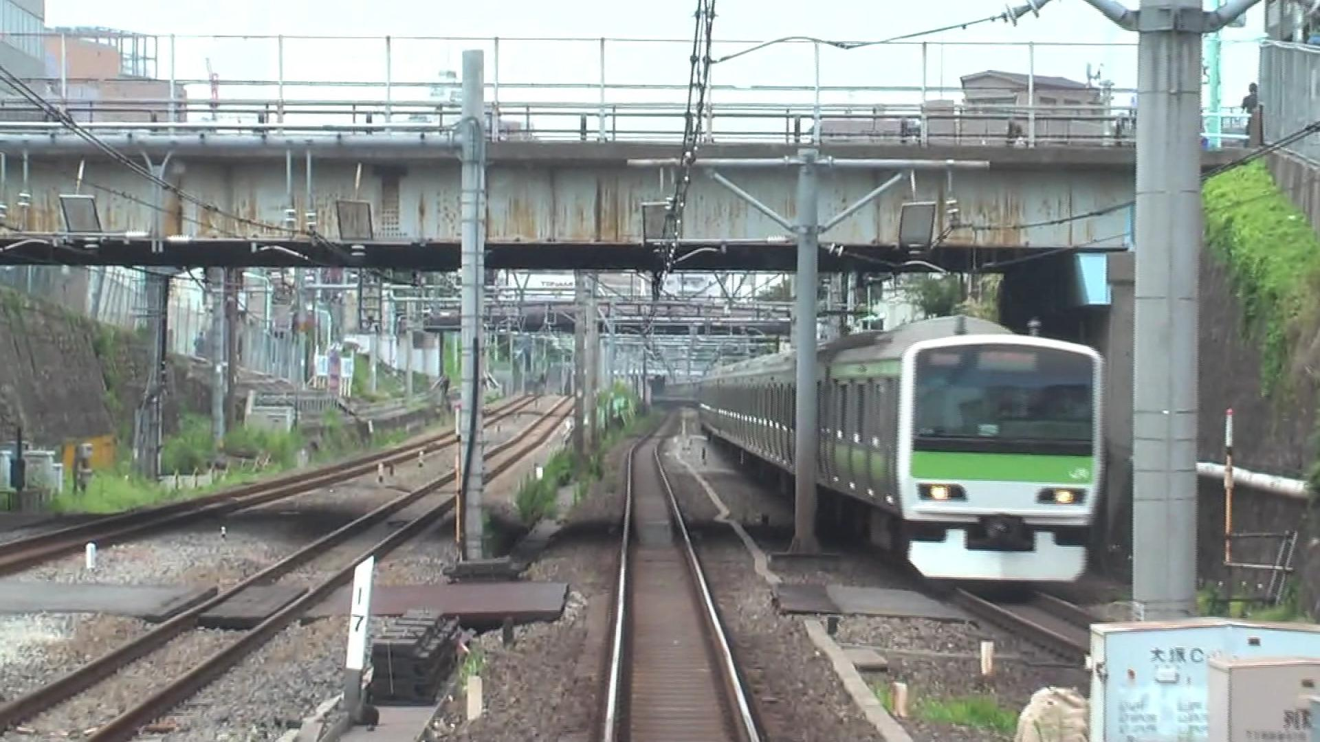 Yamanotetrainline2009.ogv